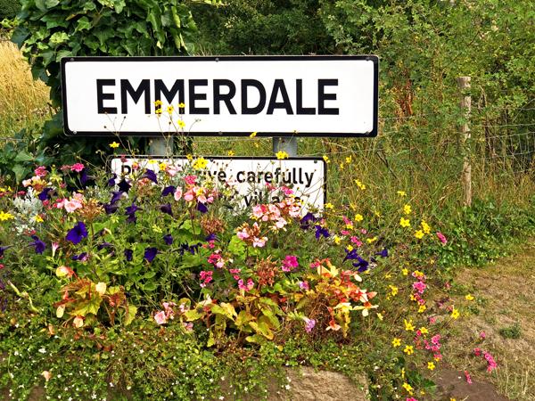 EmmerdaleSign2